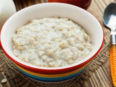 Oatmeal With a Vitamin Mixture