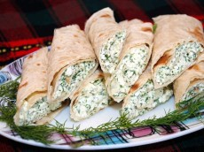 Pita Bread Roll with Cottage Cheese