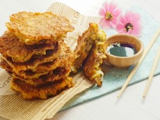 Okonomiyaki – Savoury Vegetable Pancakes